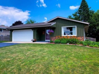 1926 Park Ln  Grafton, WI MLS# 1719780