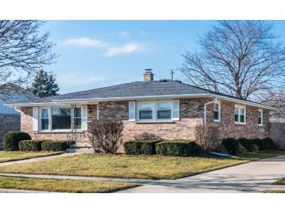 2132 25th Ave  Kenosha, WI MLS# 1721765