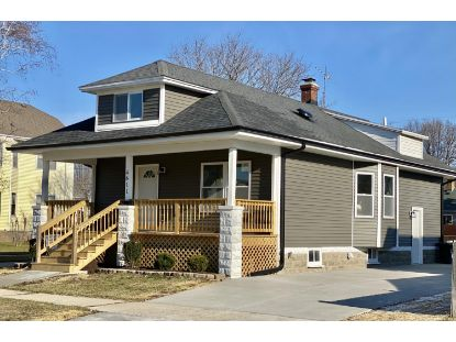 4611 25th Ave  Kenosha, WI MLS# 1722374