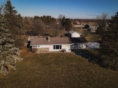 40522 Bloomfield Rd  Genoa City, WI MLS# 1723121