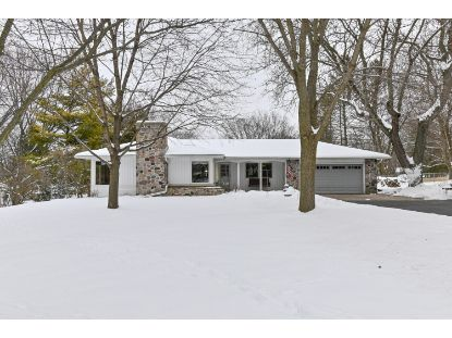 W277N1668 Lakeview Dr  Pewaukee, WI MLS# 1723645