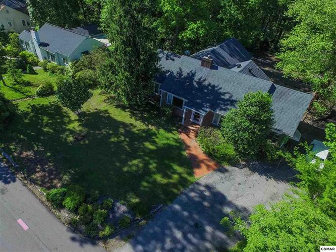 203 W Red Bud Road, Knoxville, TN 37920