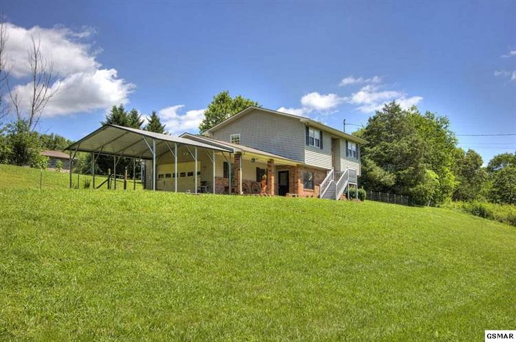 1409 PROVIDENCE RD, Sevierville, TN 37876