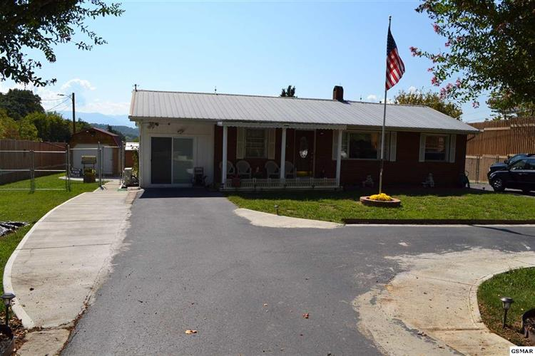 2187 Old Newport Hwy, Sevierville, TN 37876