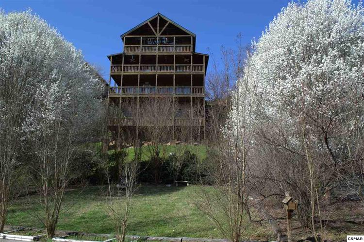 418 Hideaway Ridge Circle, Sevierville, TN 37862