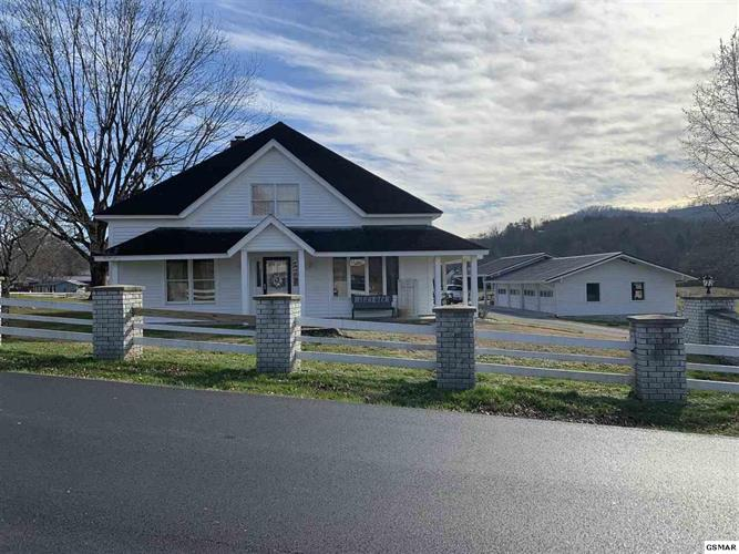 305 Pine Mountain Rd, Pigeon Forge, TN 37863 - Image 1