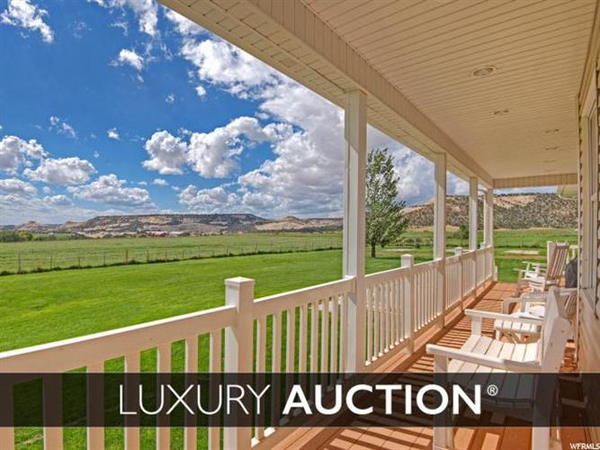 2405 LOWER BOULDER RD, Boulder, UT 84716