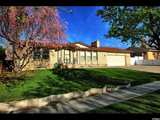 5847 S SIERRA GRANDE DR, Salt Lake City, UT 84118