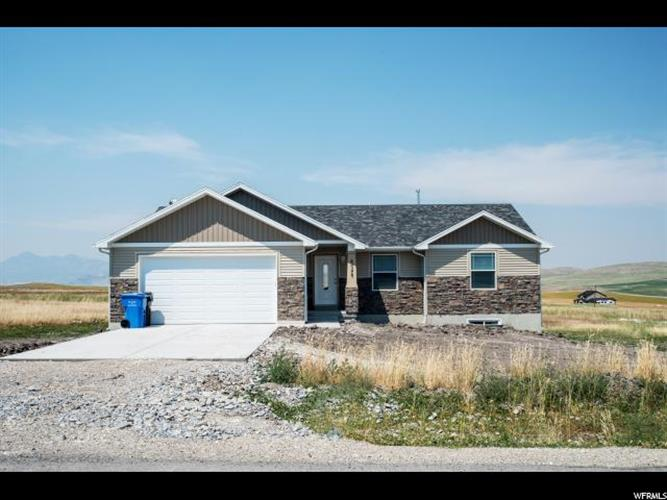 8045 W 1900 N, Petersboro, UT 84325