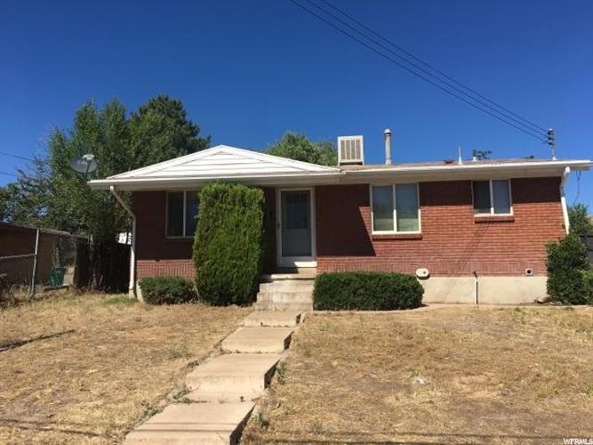 164 N TERRACE DR, Clearfield, UT 84015