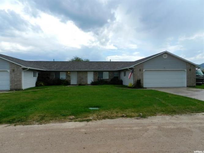 130 W BERRY BLOSSOM LN, Garden City, UT 84028