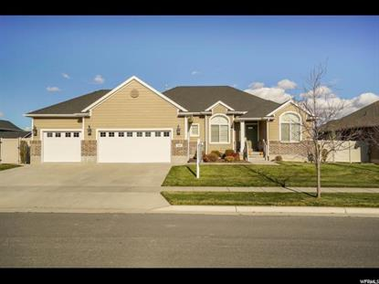 2444 N HOODED CRANE CIR, Clinton, UT