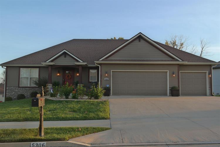 5306 STEEPLECHASE DR, Columbia, MO 65203