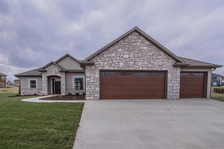 1703 BROMLEY CIR, Columbia, MO 65203