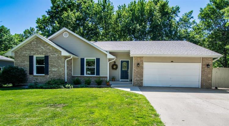 3801 WAKEFIELD DR, Columbia, MO 65203