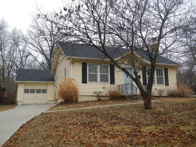 412 W WALNUT ST, Columbia, MO 65203