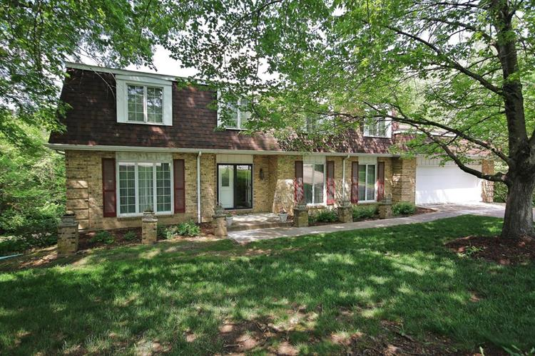 1415 N COUNTRYSHIRE DR, Columbia, MO 65202