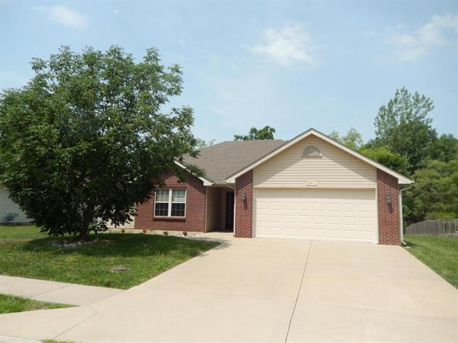 3911 ARCTIC FOX DR, Columbia, MO 65202