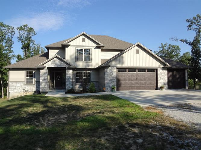 2550 W WILLIS RD, Columbia, MO 65202