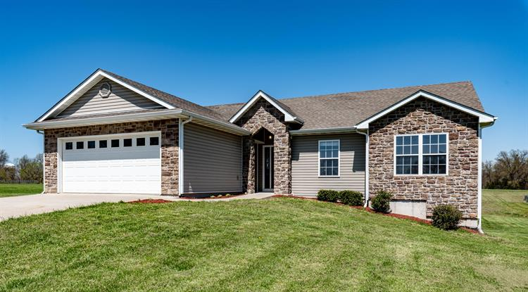5875 E MT ZION CHURCH RD, Hallsville, MO 65255 - Image 1