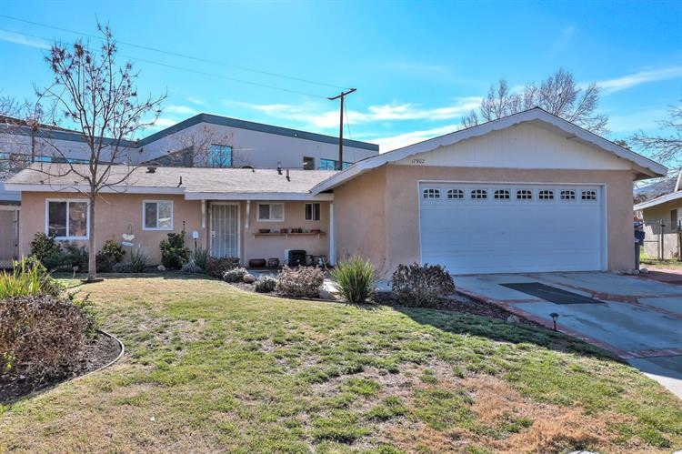 17902 Nearbrook Street, Canyon Country, CA 91387