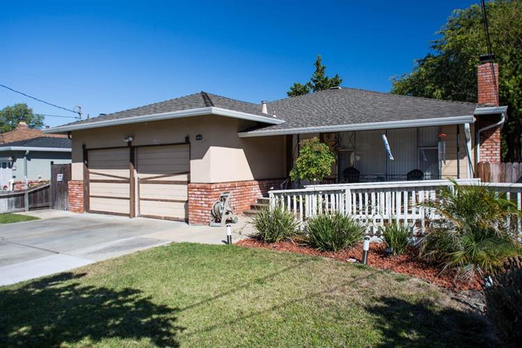2015 Madison Avenue, Redwood City, CA 94061