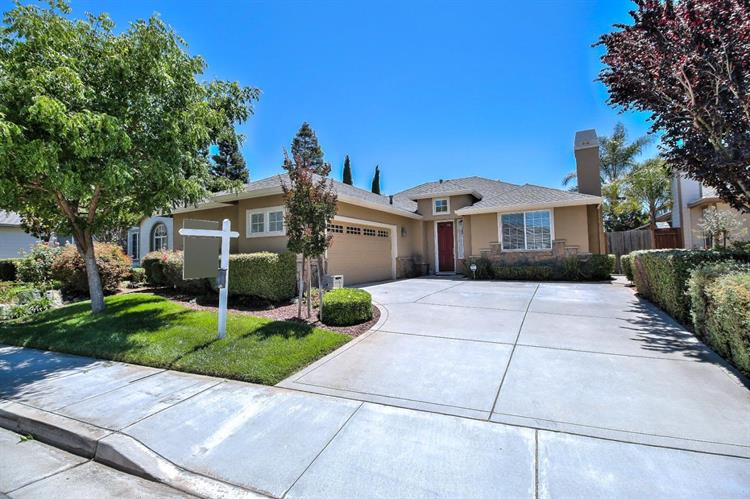 580 Calle Buena Vista, Morgan Hill, CA 95037