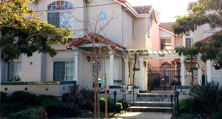 709 Woodside Way, San Mateo, CA 94401 - Image 1