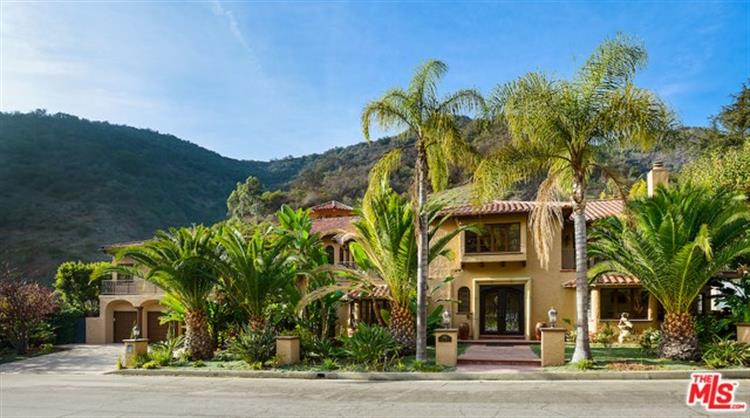 1345 MORAGA Drive, Los Angeles, CA 90049