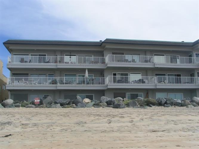 1320 Seacoast Dr, Imperial Beach, CA 91932