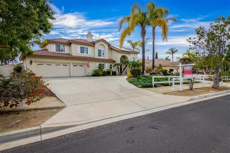 5855 Ranch View Rd, Oceanside, CA 92057