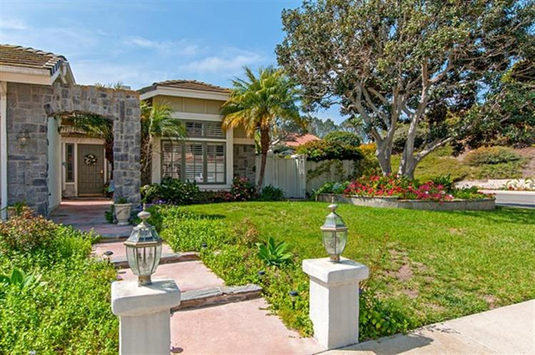 4625 Whispering Woods Ct, San Diego, CA 92130