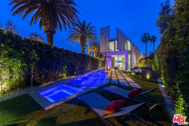 417 NORWICH Drive, West Hollywood, CA 90048