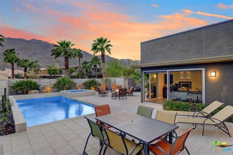 431 DION Drive, Palm Springs, CA 92262