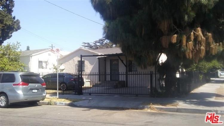 759 E 40TH Place, Los Angeles, CA 90011