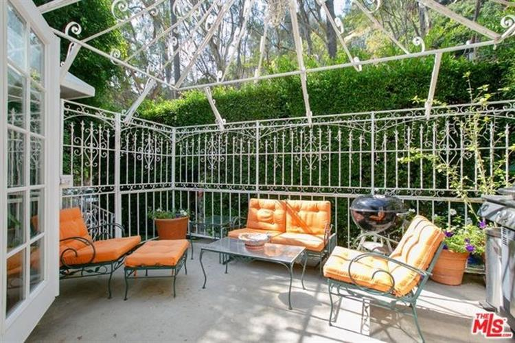 1962 LAUREL CANYON, Los Angeles, CA 90046