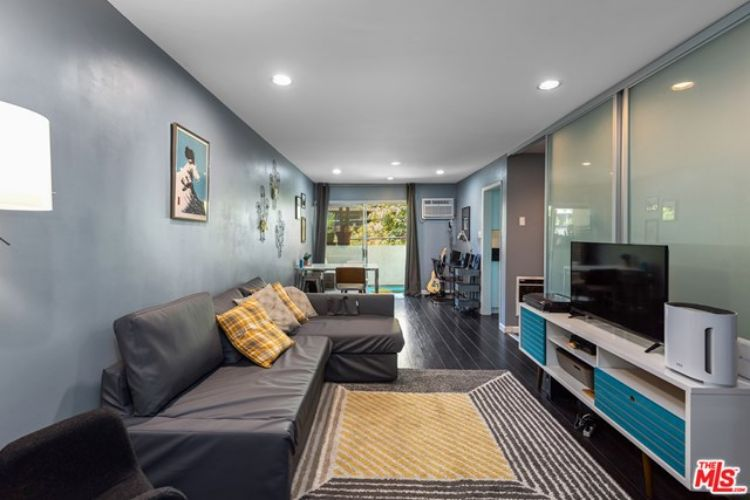 960 Larrabee Street, West Hollywood, CA 90069 - Image 1