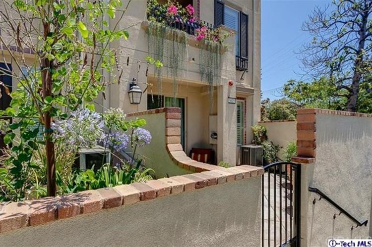 5035 Mosaic Court, Los Angeles, CA 90041