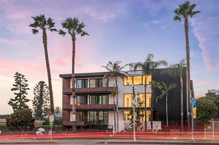 1425 N Crescent Heights Boulevard, West Hollywood, CA 90069 - Image 1