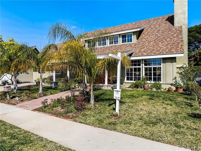 19805 Labrador Street, Chatsworth, CA 91311