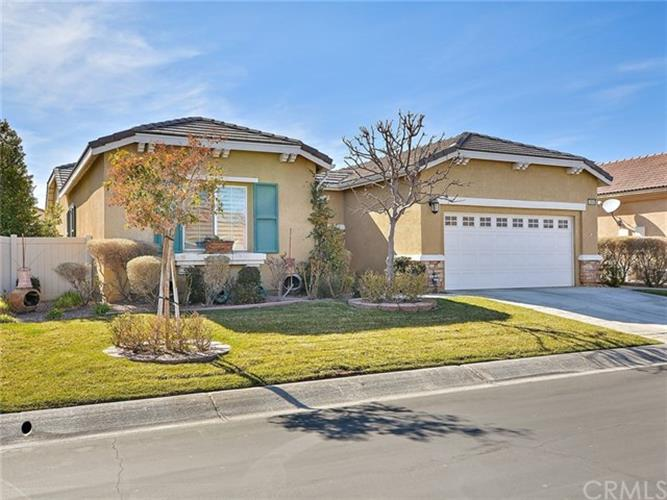 10940 Katepwa Street, Apple Valley, CA 92308