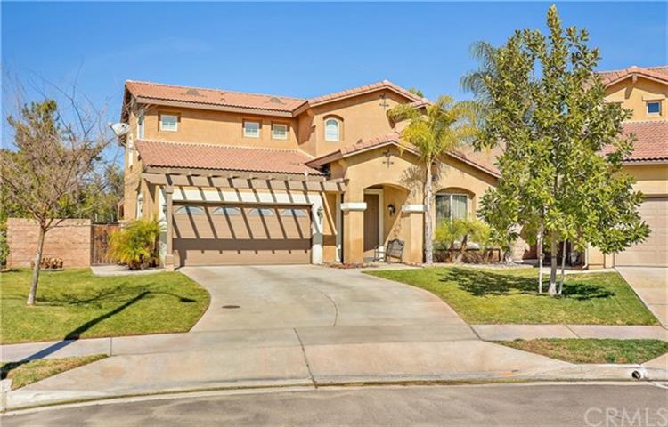 33894 Lake Breeze Drive, Yucaipa, CA 92399