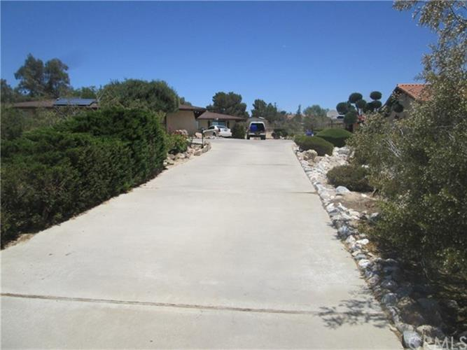 14213 Apple Valley Road, Apple Valley, CA 92307 - Image 1