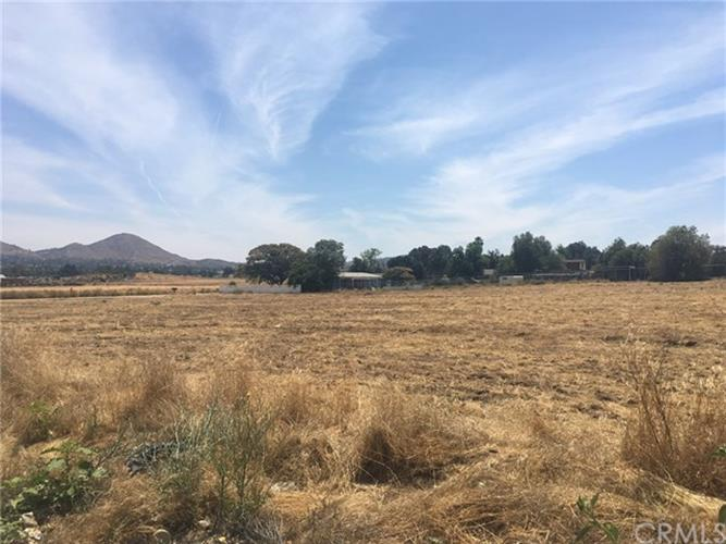 20085 Melinda Lane, Wildomar, CA 92595