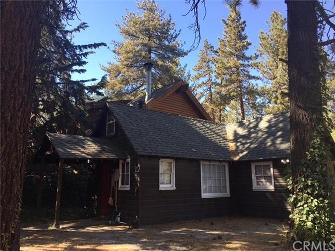 1765 Twin Lakes Road, Wrightwood, CA 92397