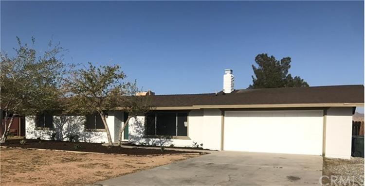 21965 Maumee Road, Apple Valley, CA 92308