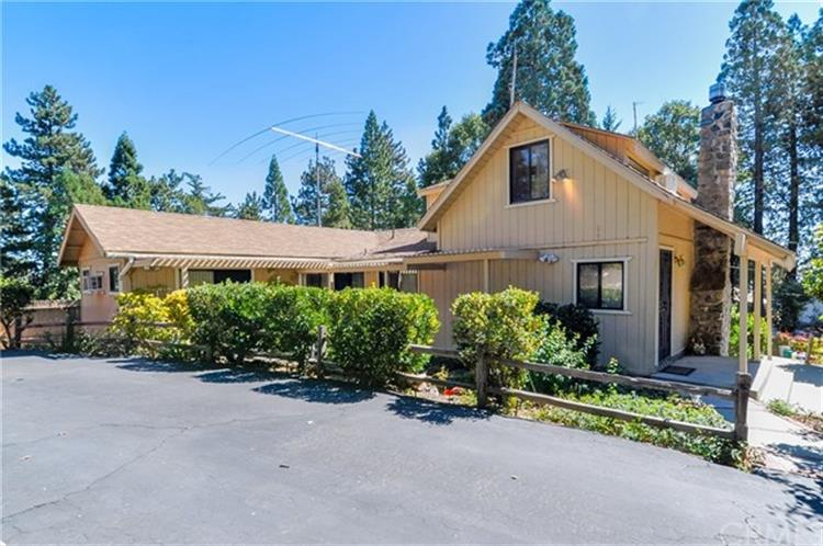 22880 Valley View Drive, Crestline, CA 92325