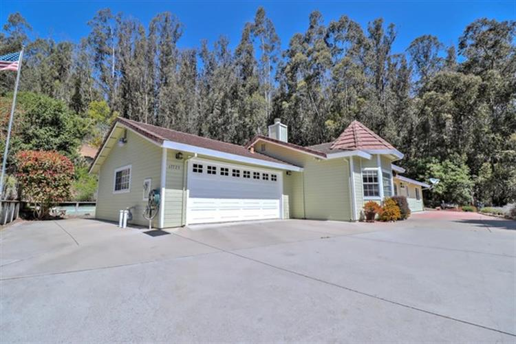 17725 Countryside Court, Prunedale, CA 93907