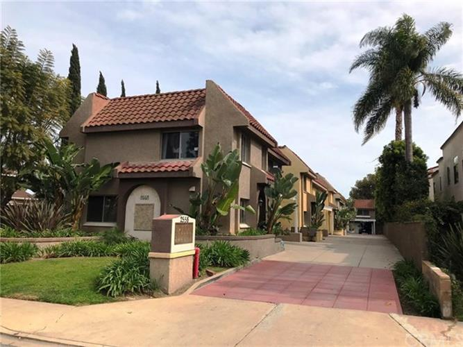 2558 ORANGE Avenue, Costa Mesa, CA 92627