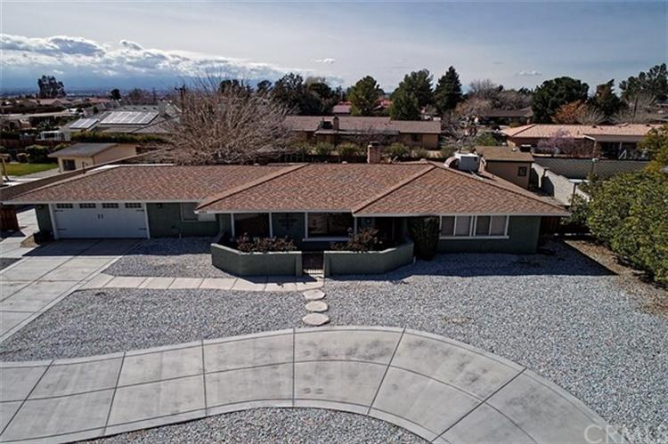 14212 Tawya Road, Apple Valley, CA 92307